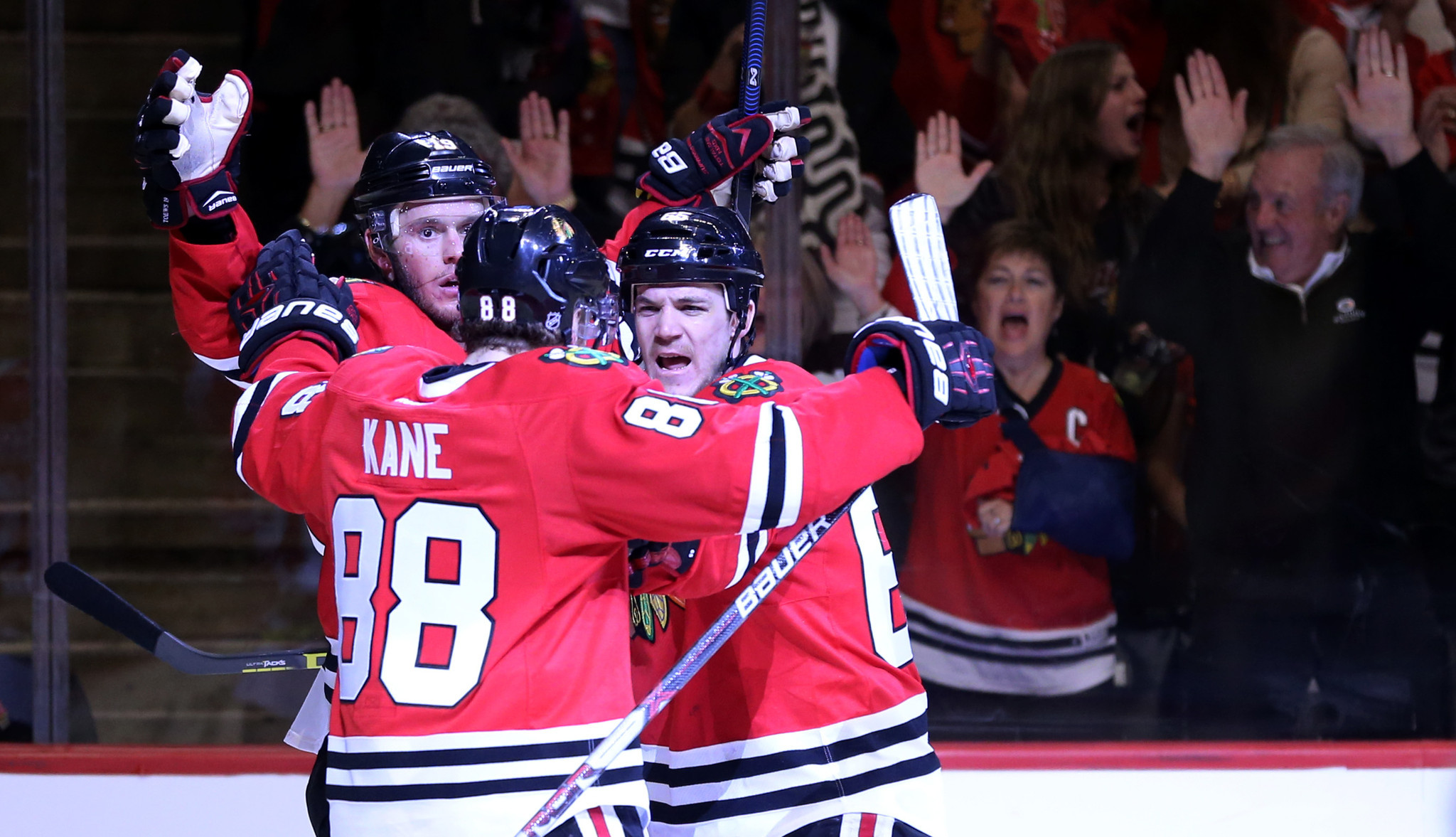 Ct-blackhawks-blues-game-6-observations-20160424