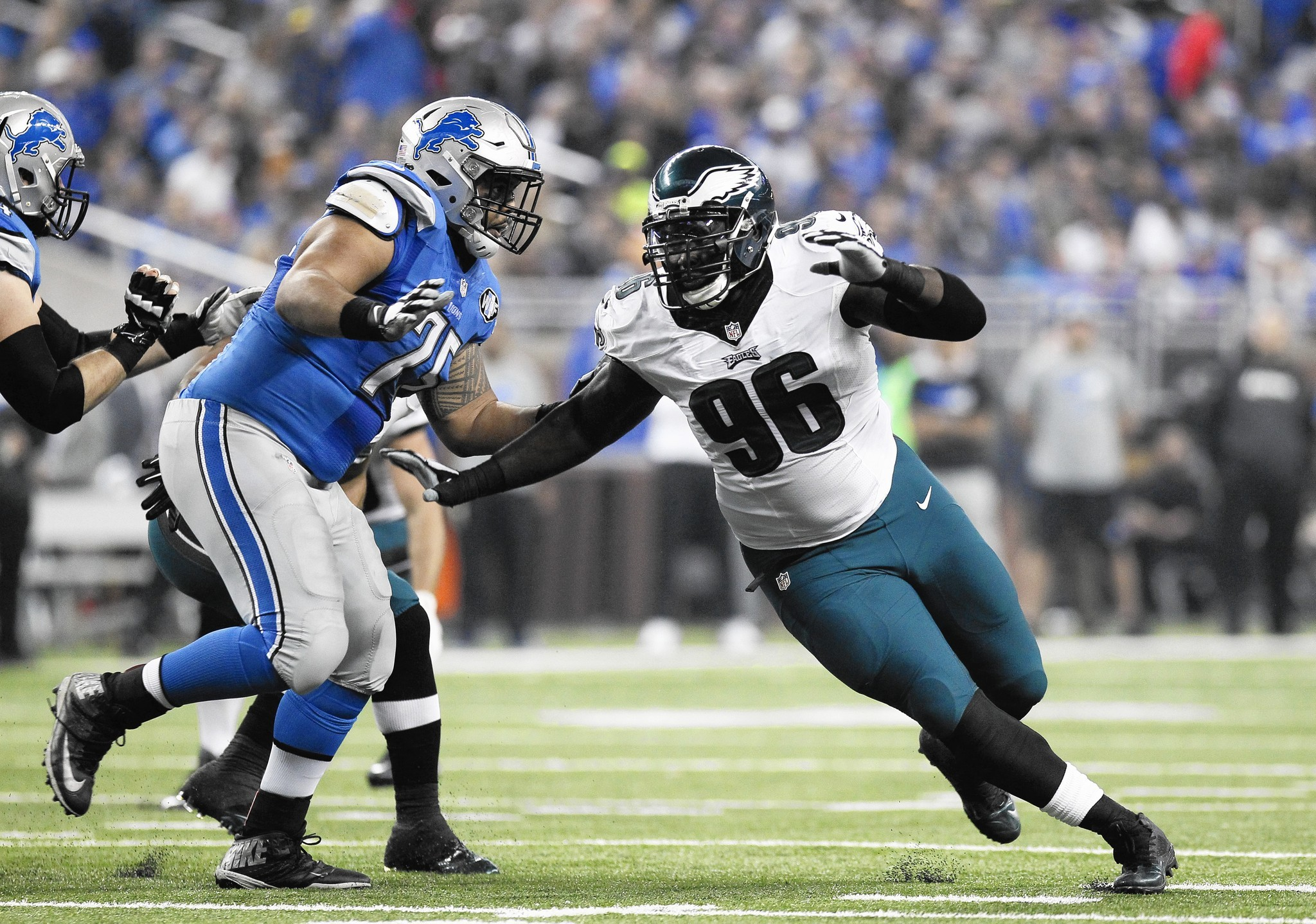 Mc-eagles-pass-rush-0424-20160425