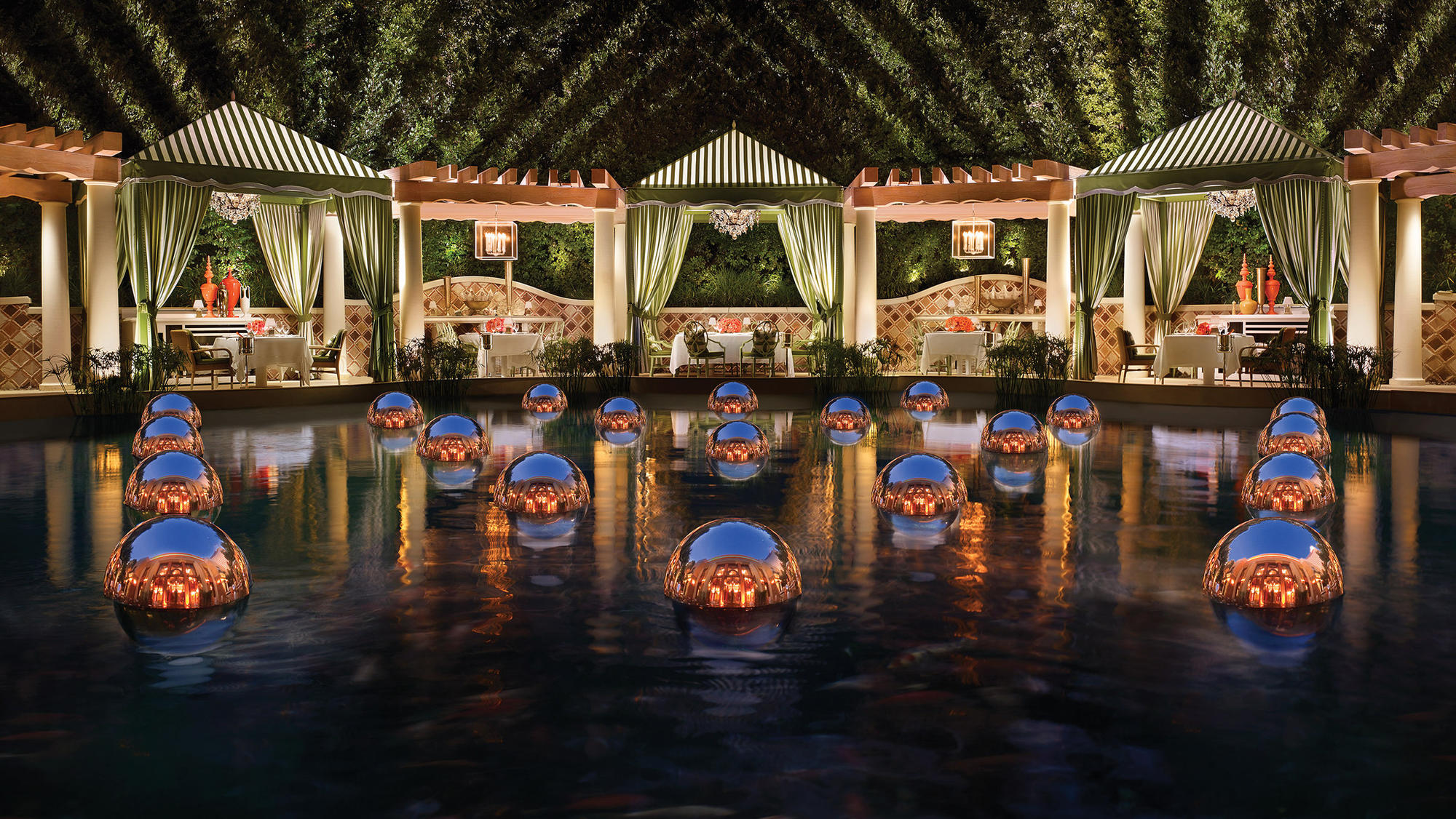Where to find really fresh fish in the desert that is las for Koi pond wynn