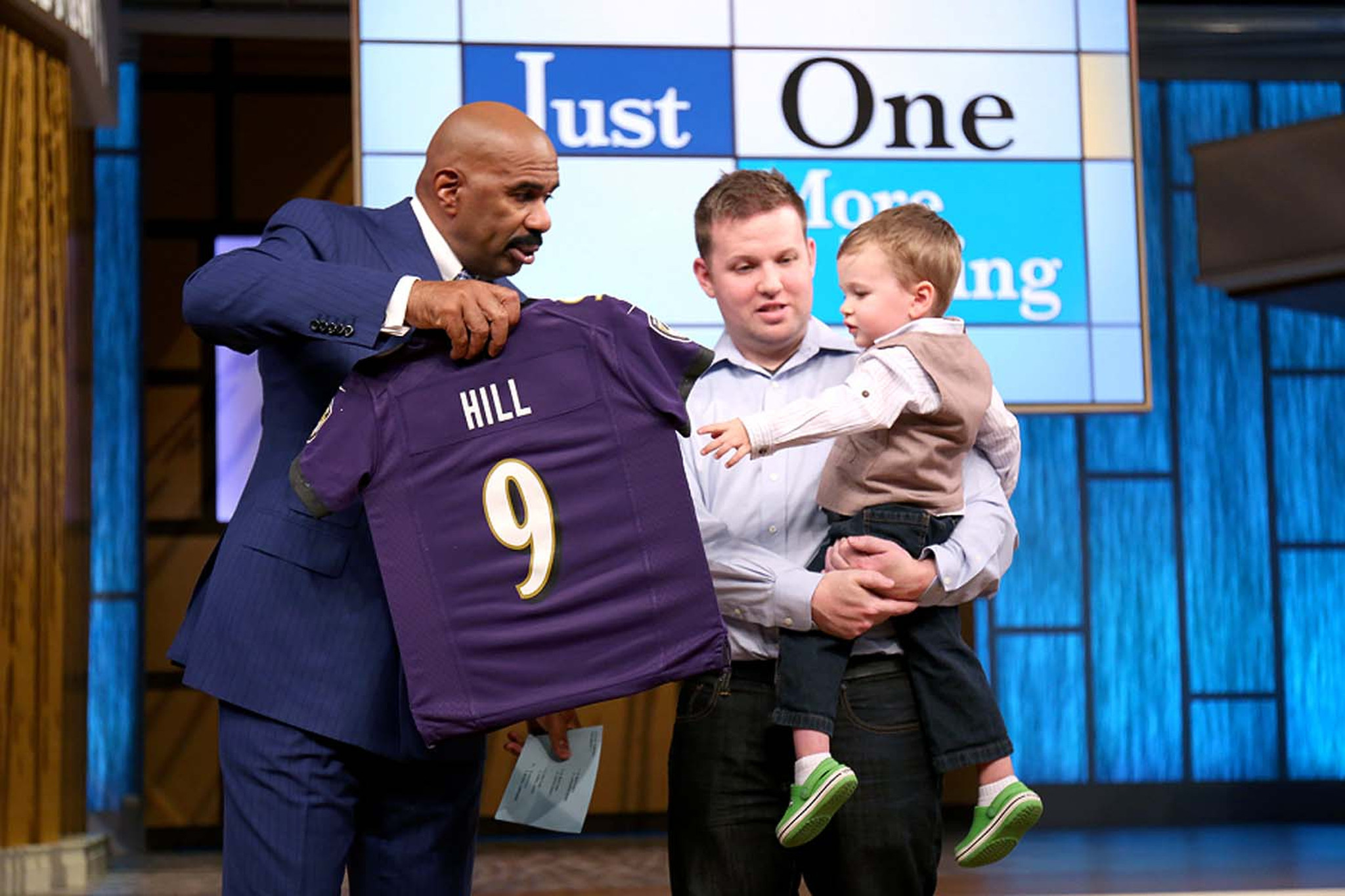 Bal-three-year-old-ravens-fan-featured-on-steve-harvey-show-20160427