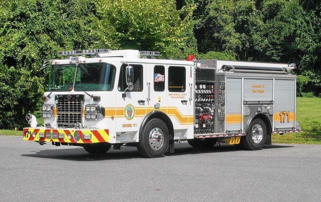 Three injured in glen burnie crash baltimore sun for Department of motor vehicles glen burnie