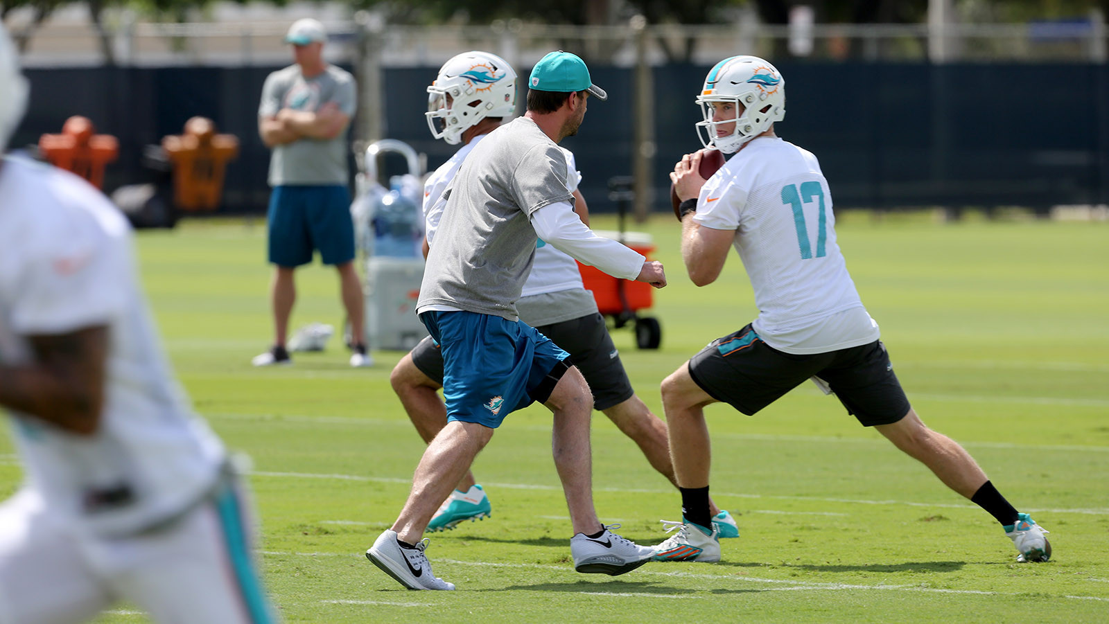 Sfl-dolphins-coach-adam-gase-describes-the-origin-of-his-offensive-system-20160428