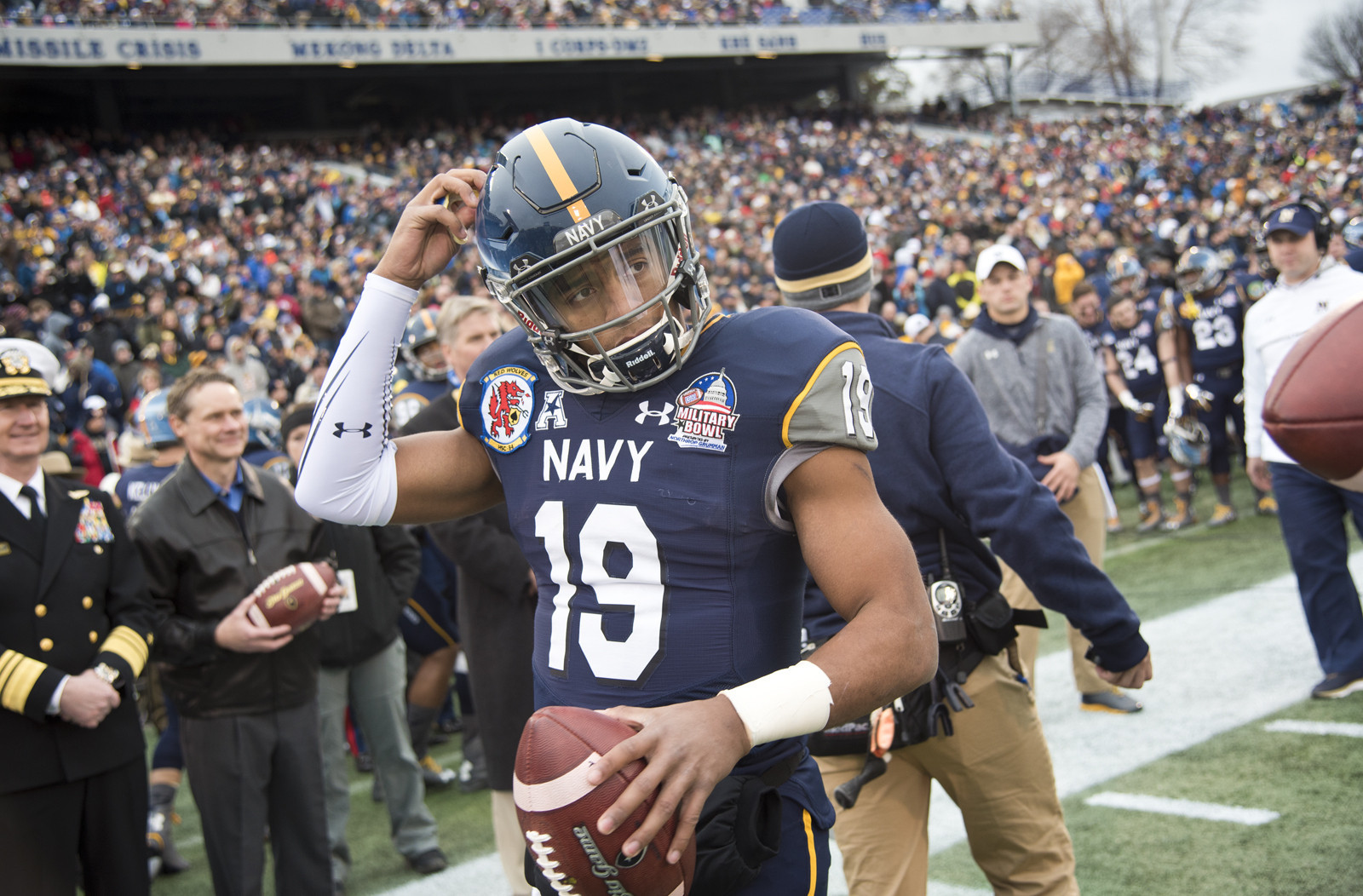 Cgnews-keenan-reynolds-is-reflective-in-powerful-piece-for-website-20160428