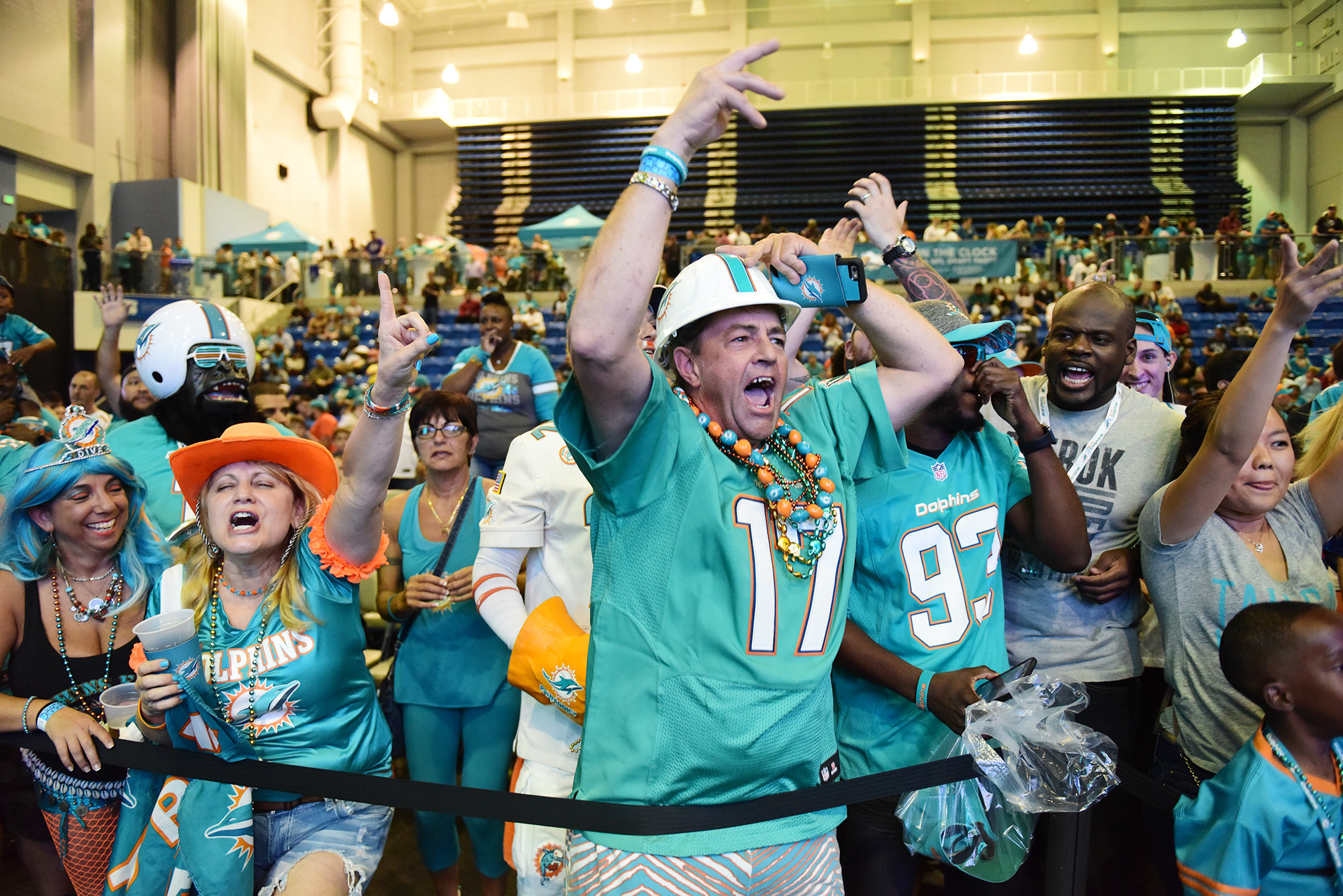 Sfl-fans-react-to-dolphins-first-round-pick-20160428