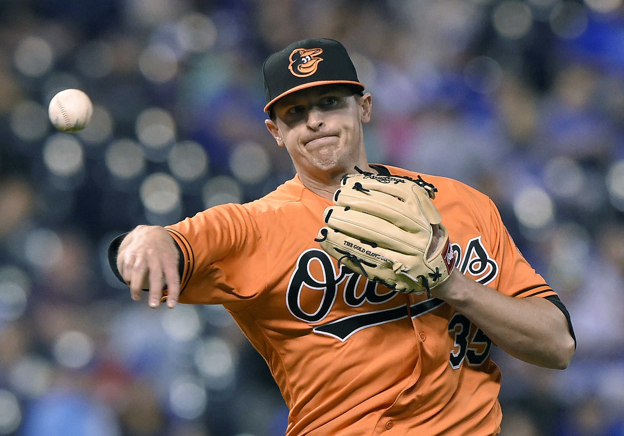 Bal-brad-brach-has-a-starter-s-arsenal-but-orioles-are-benefiting-from-the-fact-no-one-let-him-try-it-20160502