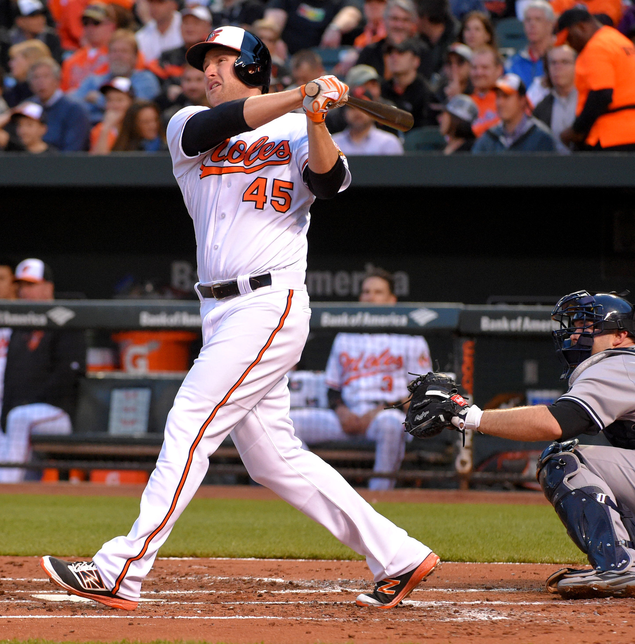 Bal-two-mark-trumbo-homers-lift-orioles-over-slumping-yankees-20160503
