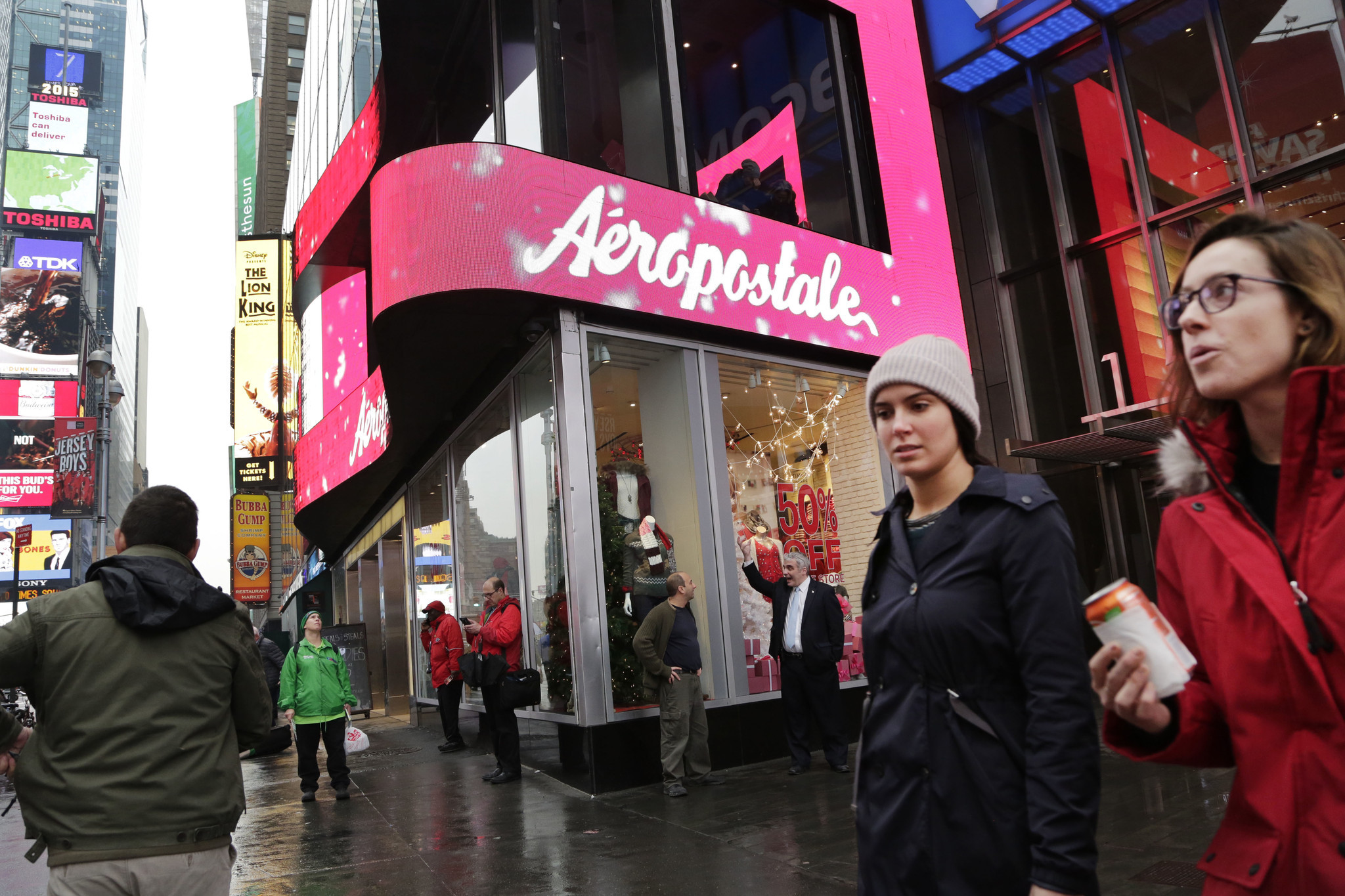 aeropostale files for bankruptcy in latest retailer meltdown