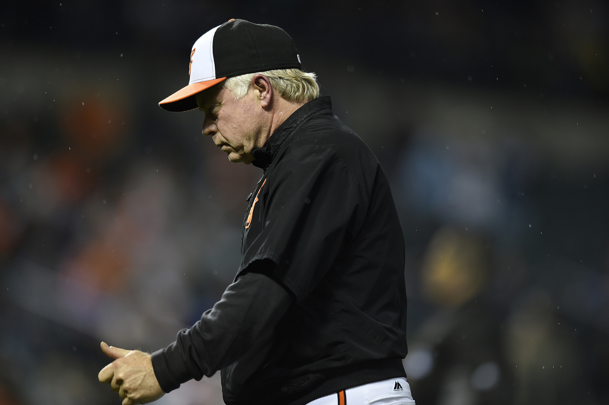 Bal-showalter-on-tarp-controversy-we-have-a-lot-more-important-things-to-worry-about-than-that-20160504