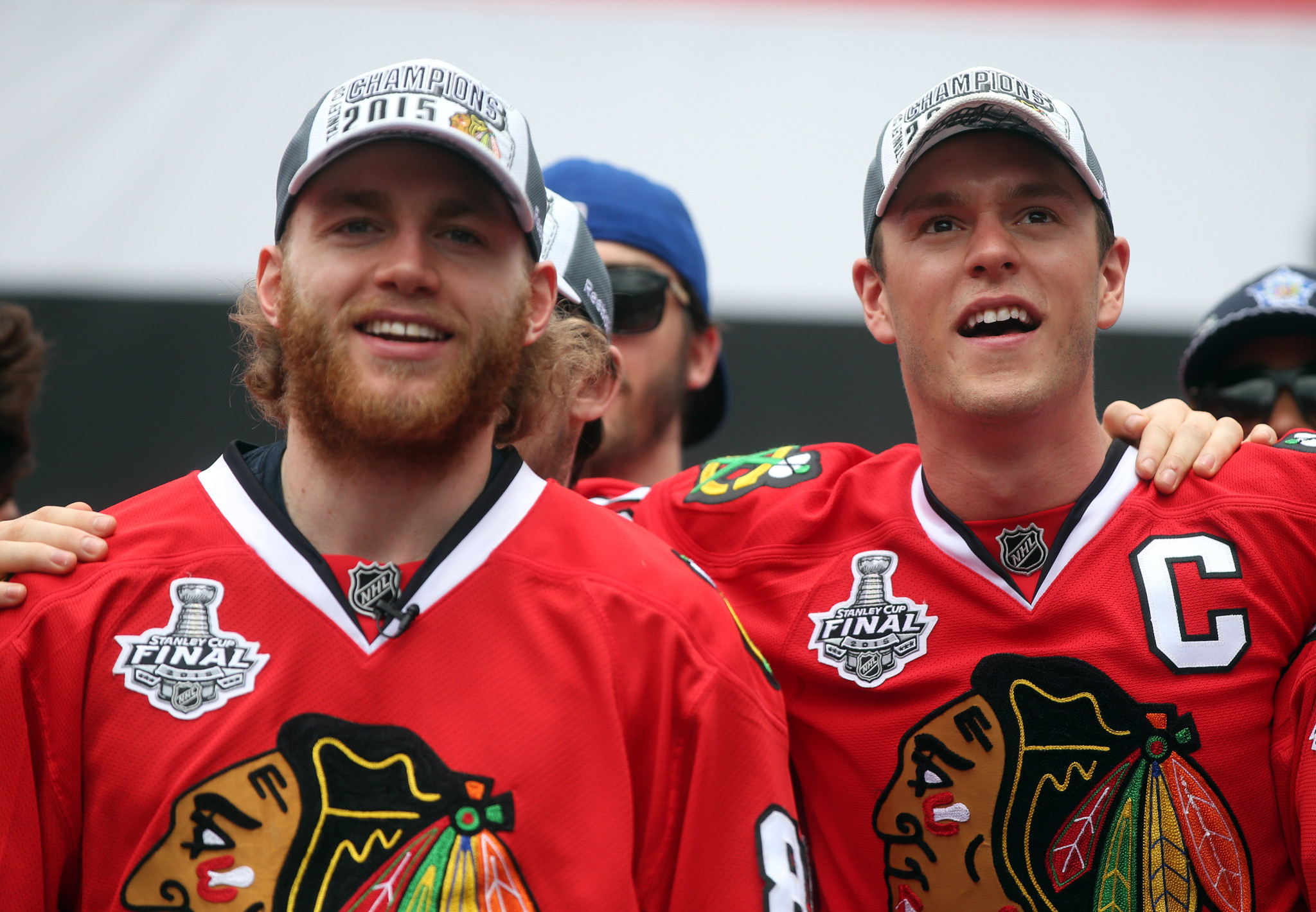 Redeye-patrick-kane-finally-followed-jonathan-toews-on-twitter-and-all-is-right-with-the-world-20160504