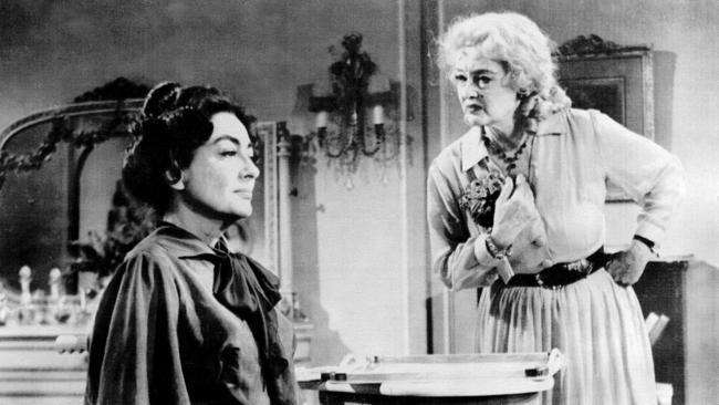 Bette Davis e Joan Crawford na versão cinematográfica de Baby Jane: amigas e rivais.