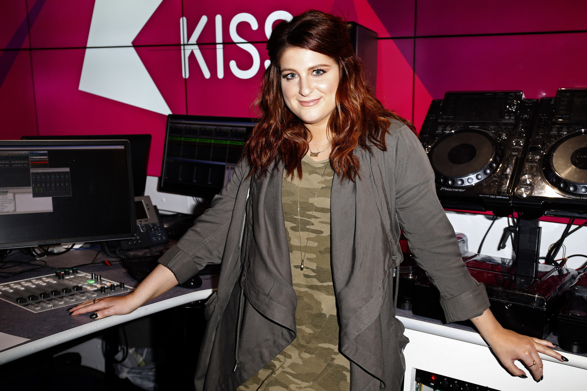 Meghan Trainor pulls music video after realizing she was photoshopped - Chicago Tribune
