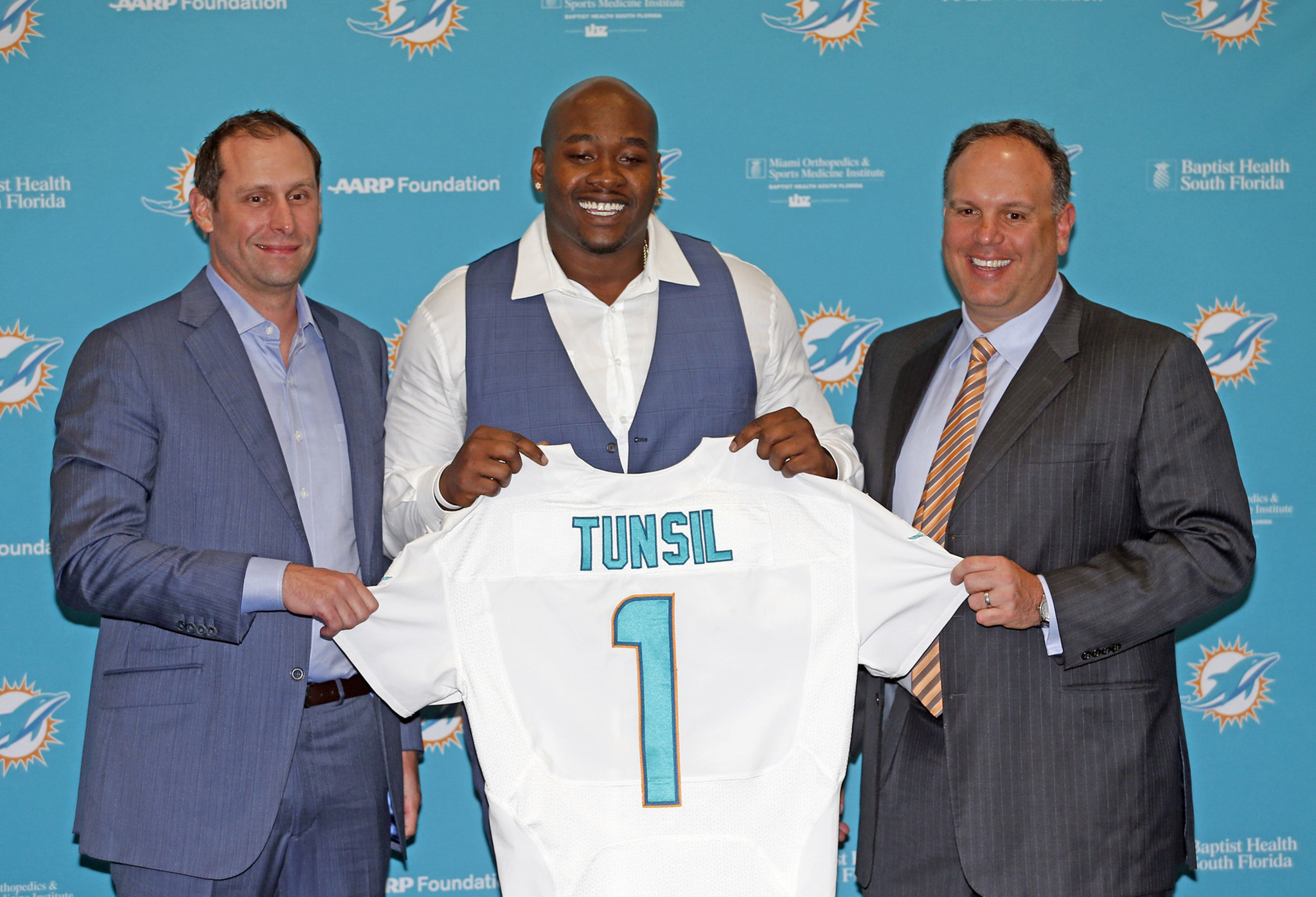 Sfl-report-tunsil-text-messages-with-ole-miss-personnel-have-been-confirmed-20160512