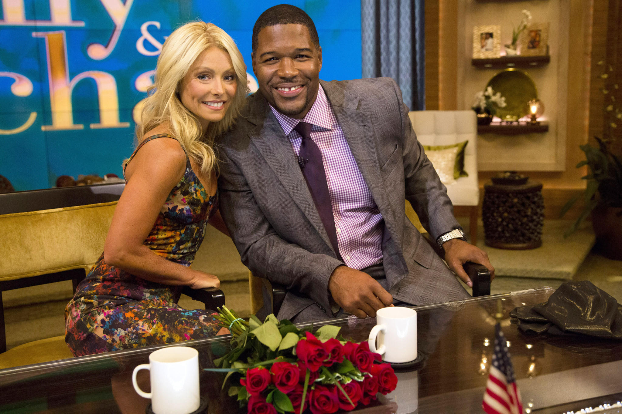 Michael Strahan says goodbye to Kelly Ripa and 'Live' - LA Times