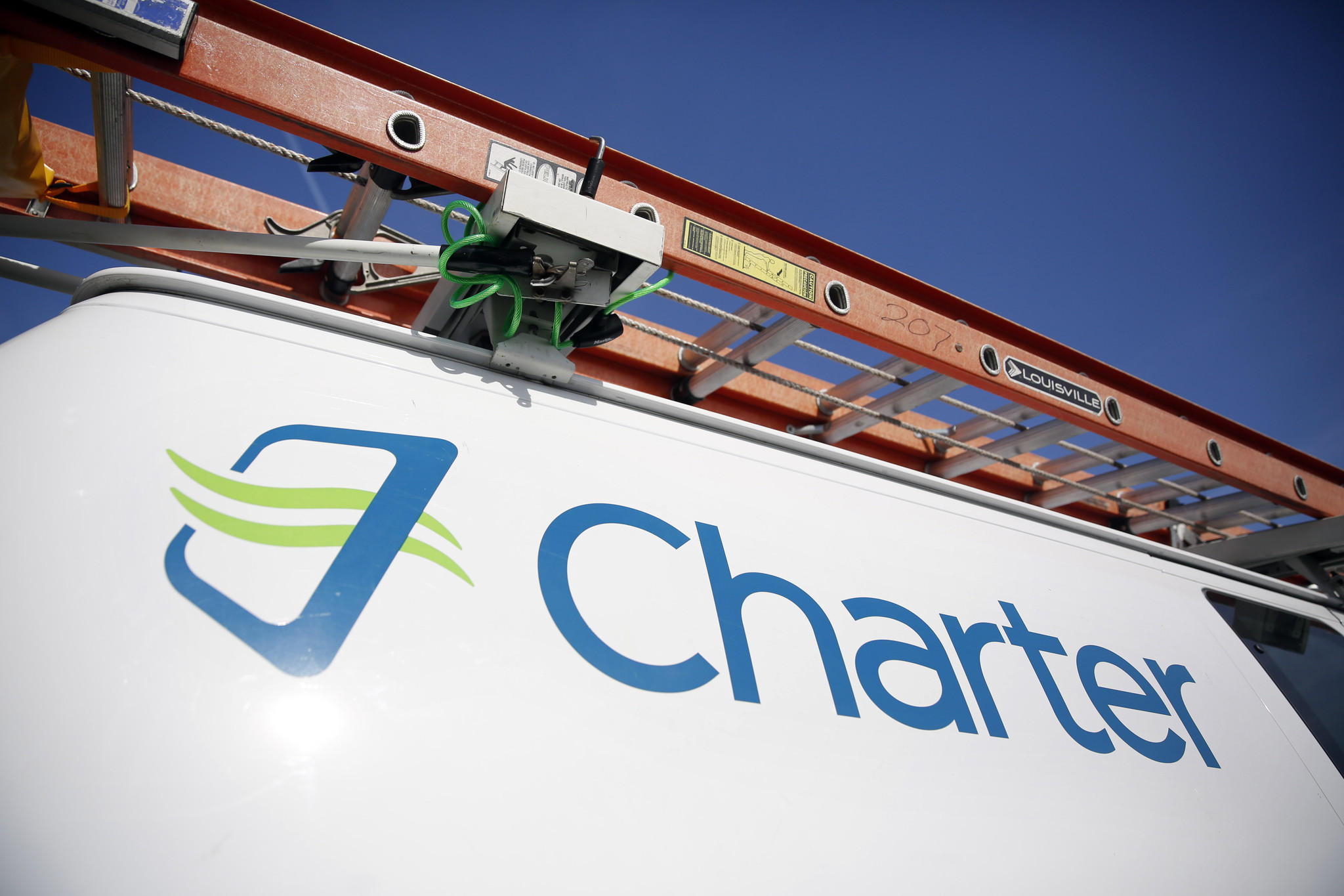 Charter Communications abuses customer rights, wins approval for big cable merger anyway - LA Times