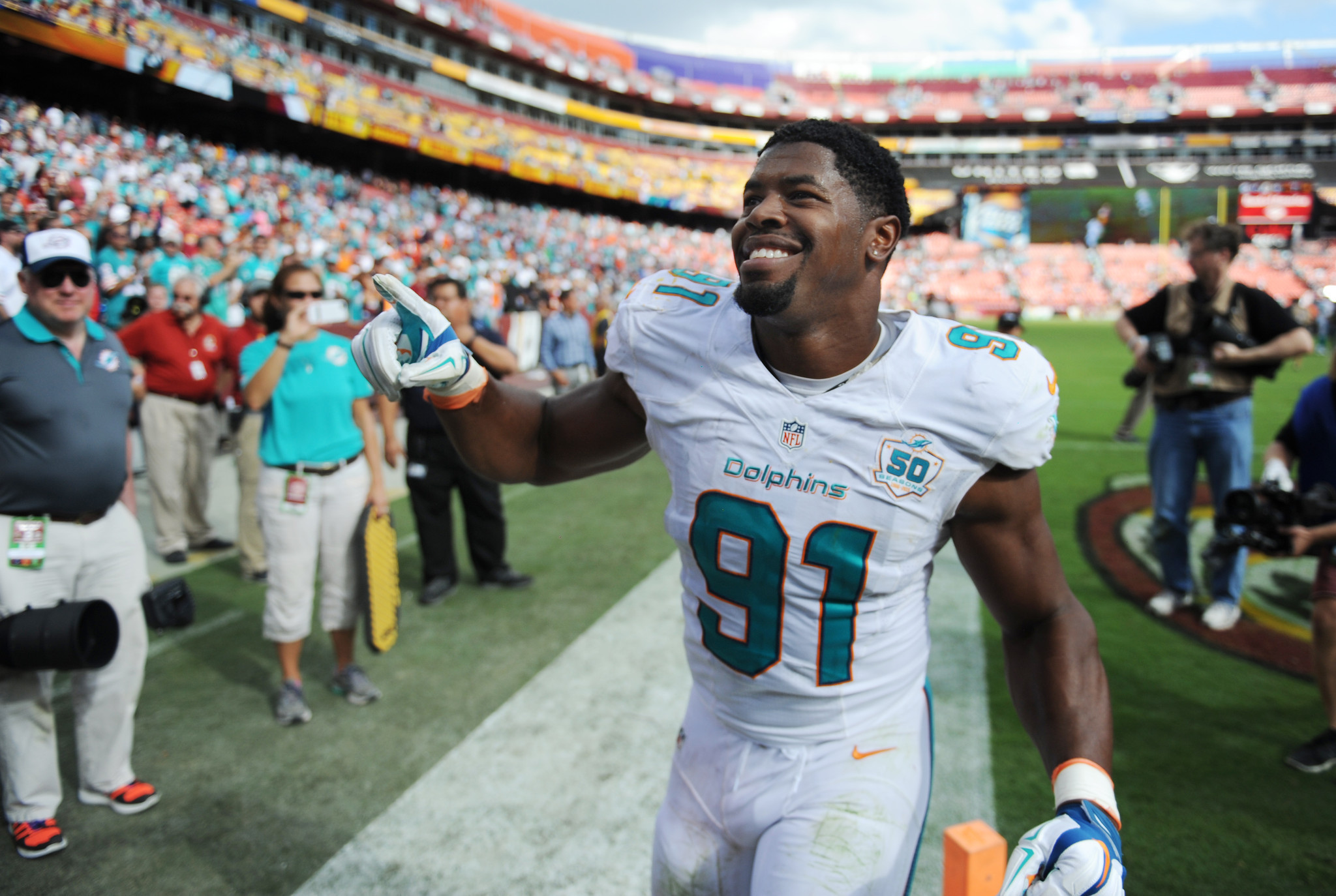 Sfl-pass-rush-could-lead-dolphins-to-glory-or-more-disappointment-in-2016-20160516