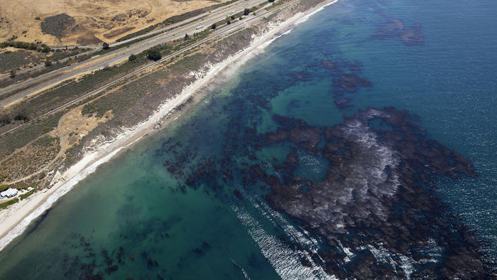 Oil pipeline leak at Santa Barbara County beach