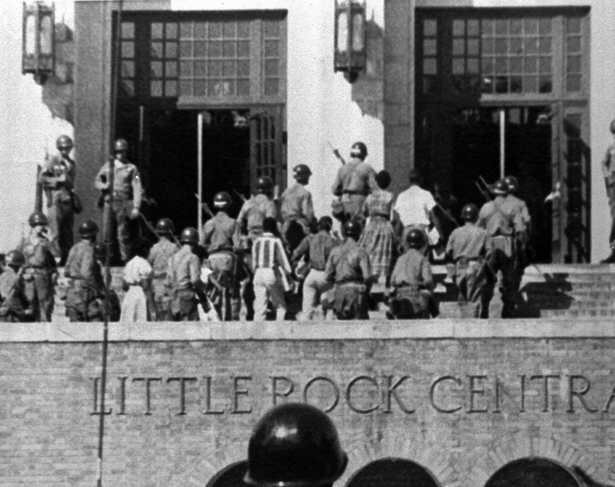 racial segregation in public schools across Jim crow laws and racial segregation the most important jim crow laws required that public schools, public facilities, eg, water supported racial segregation for public facilities across the nation a montgomery, alabama ordinance compelled black residents to take seats apart from.