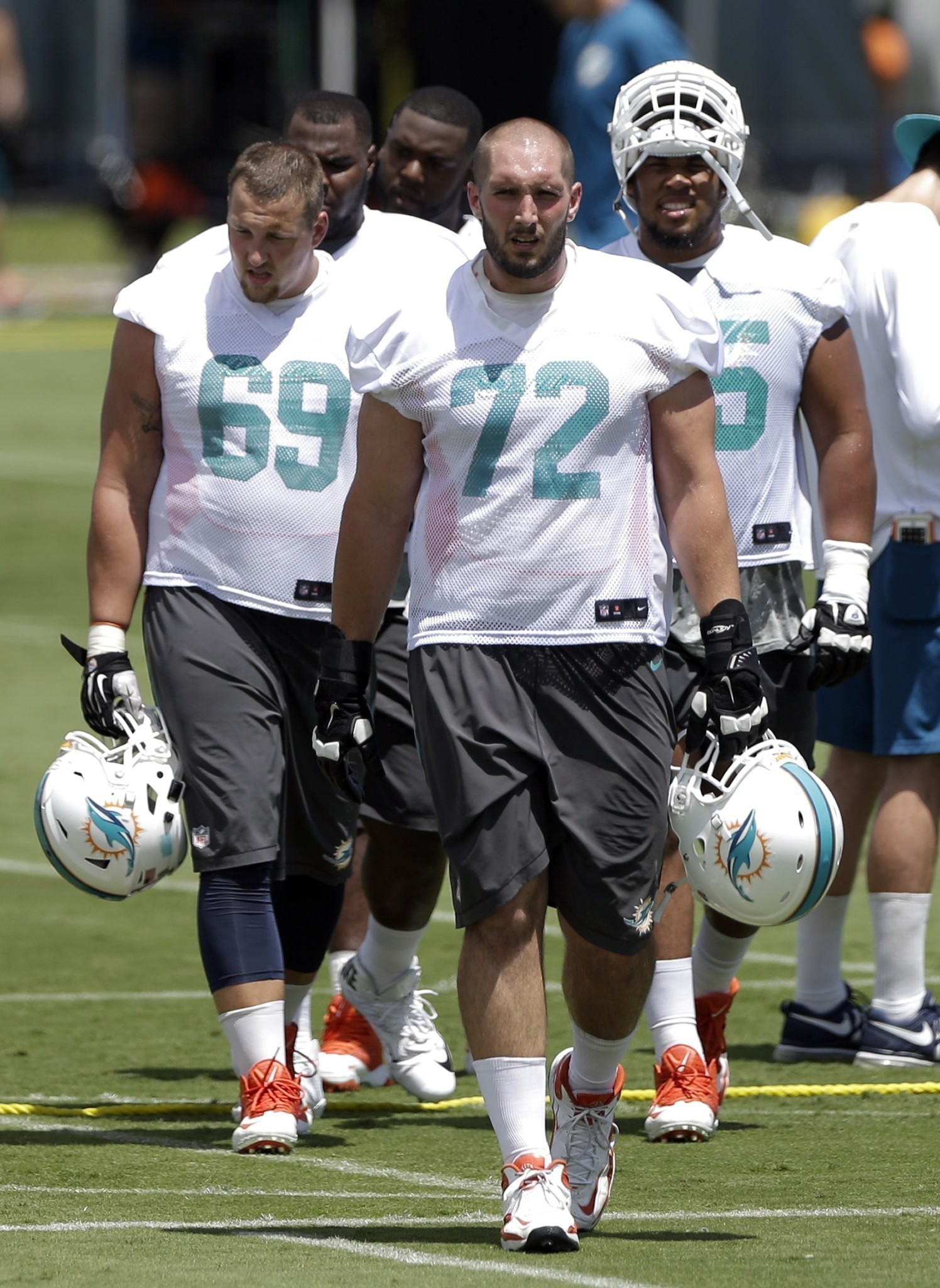 Sfl-ex-dolphin-jeff-linkenbach-signs-with-jaguars-20160518