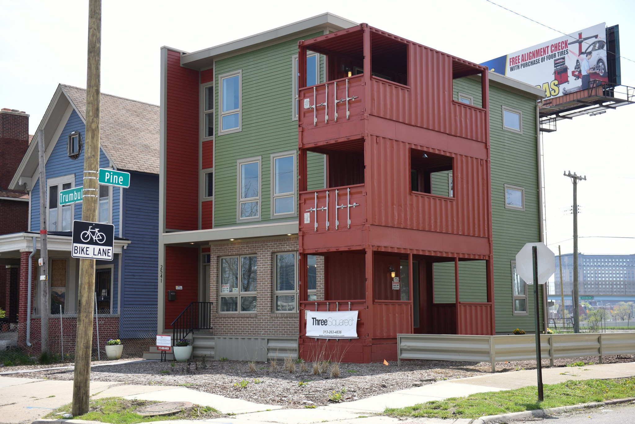 Shipping container homes in detroit chicago tribune - Shipping container homes chicago ...