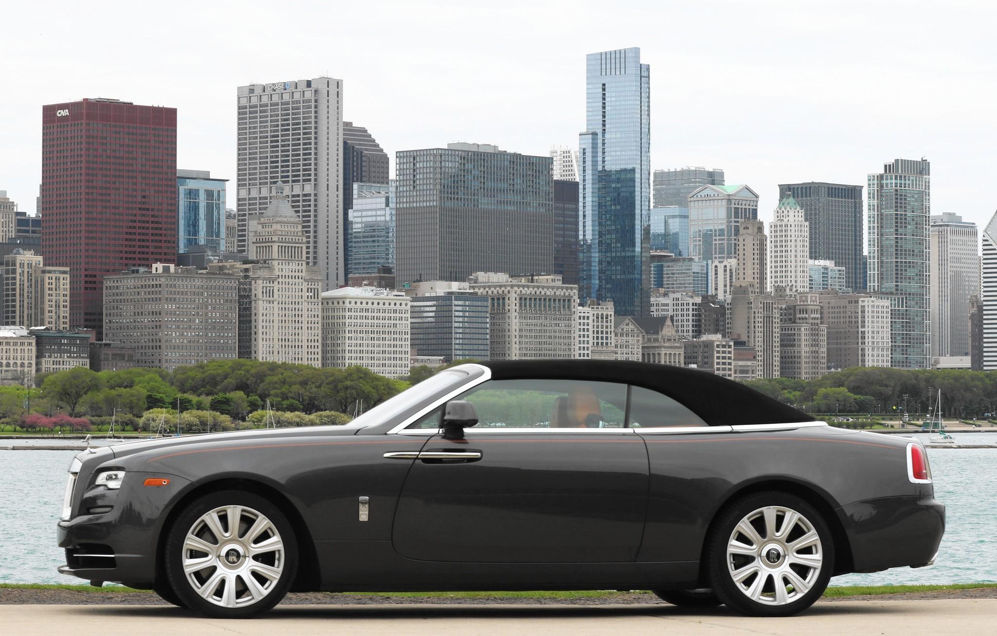 rolls royce dawn dark blue. Rolls-Royce Dawn Delivers Everything In $400,000 Convertible - Chicago Tribune Rolls Royce Dark Blue