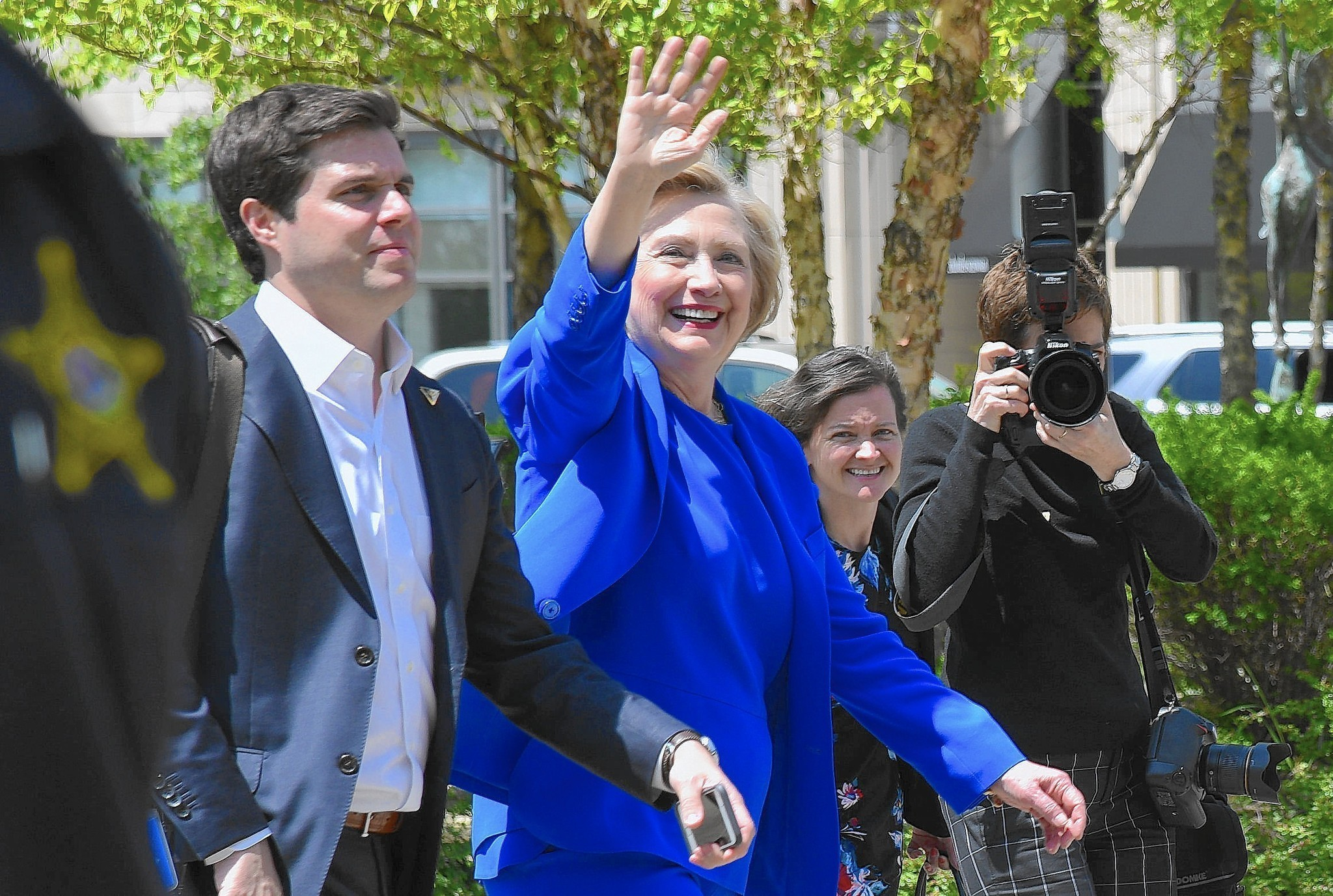 Hillary 39 S Homecoming Clinton Draws Support Protests In