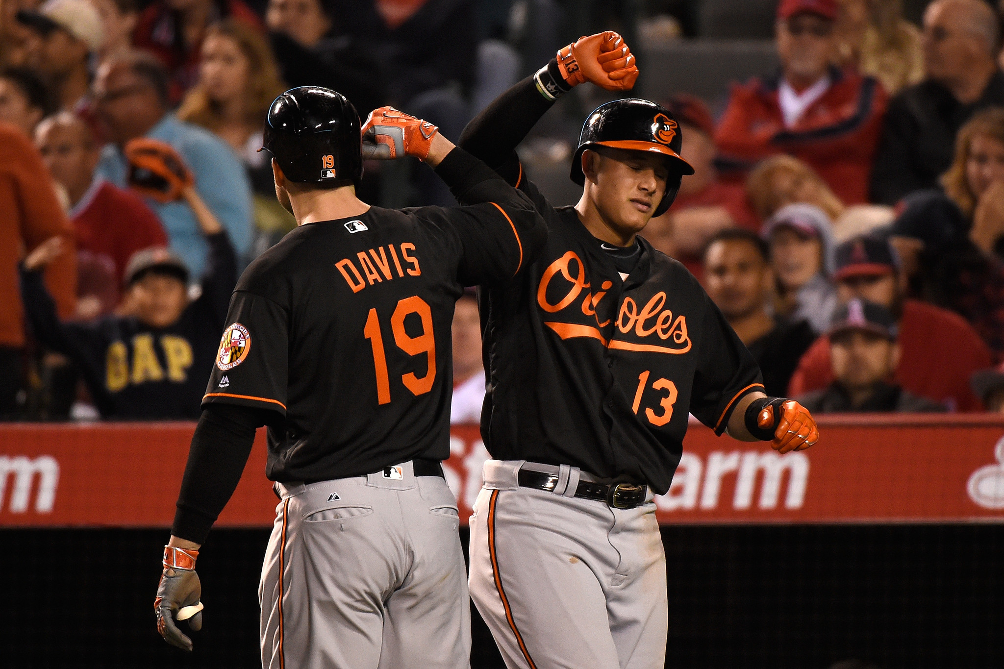 Bal-orioles-recap-four-home-runs-give-birds-league-lead-9-4-win-over-angels-to-open-series-20160520