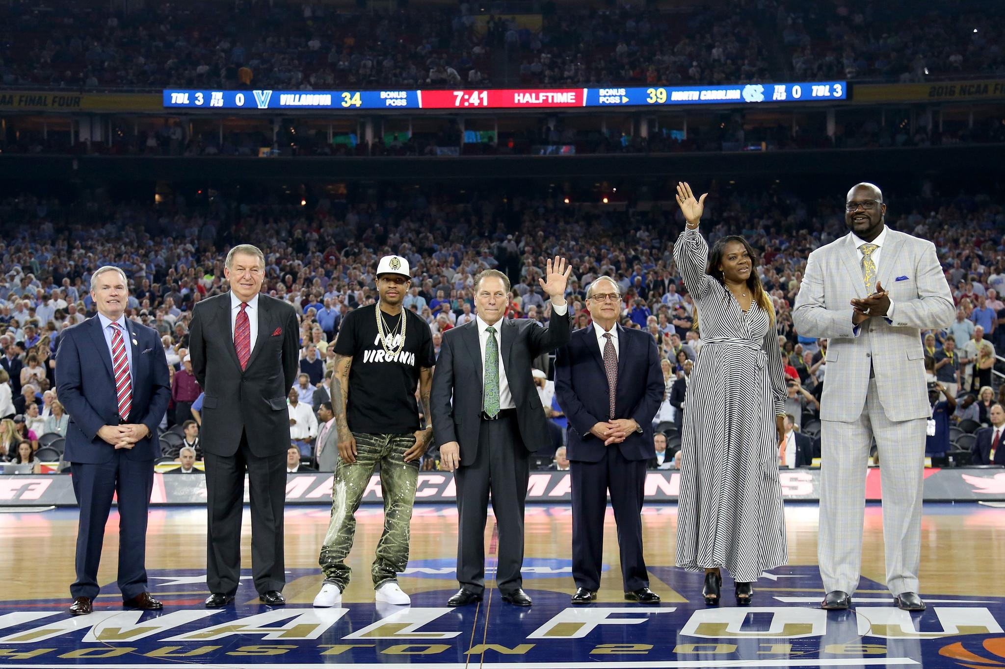 Ct-basketball-hall-of-fame-votes-feinstein-20160522