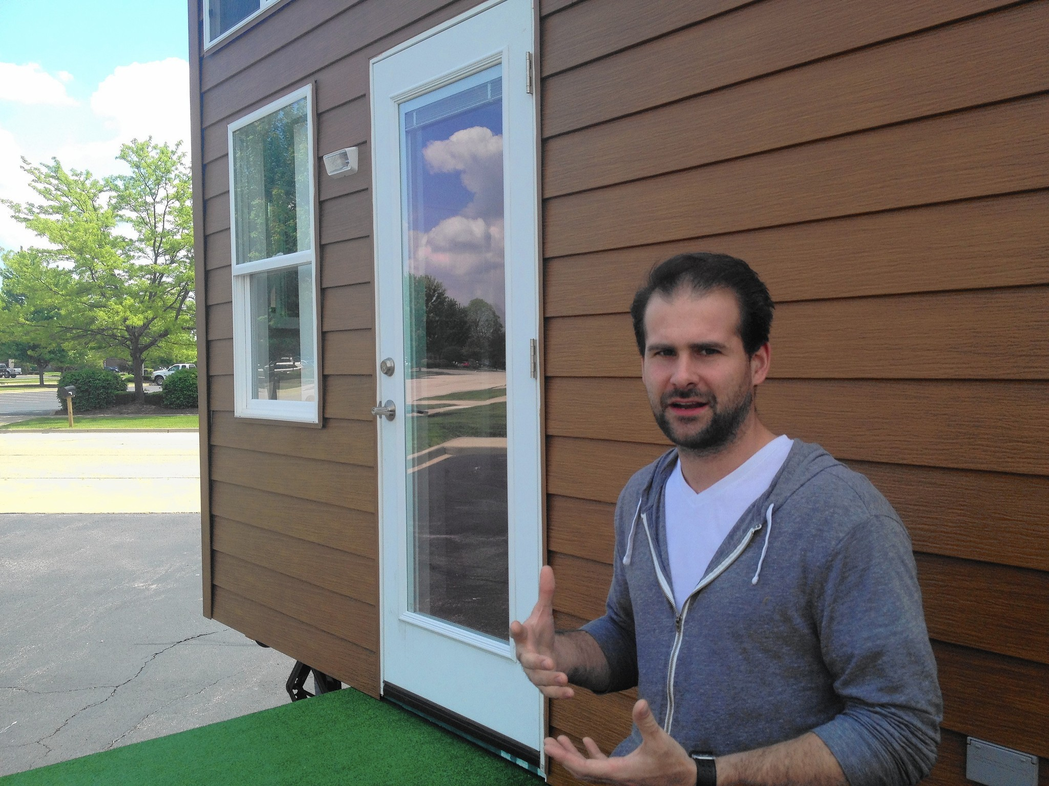 South Elgin builder to appear on 'Tiny House Nation'