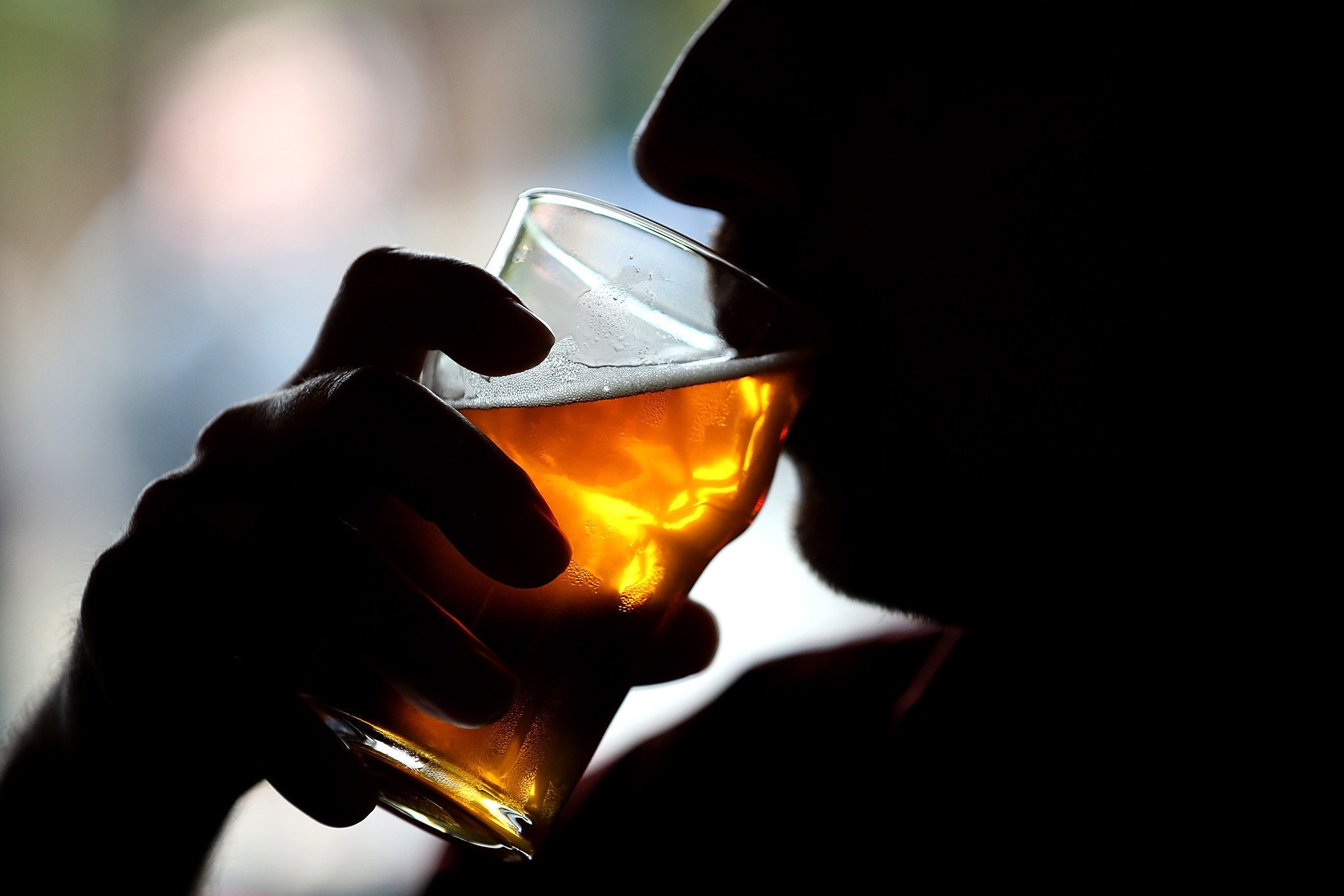 Fraternity brothers resist efforts to curb alcohol consumption, study says - Orlando Sentinel