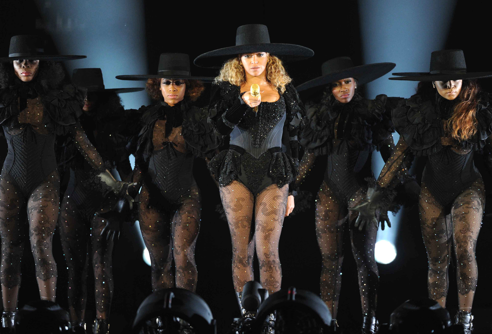 How beyonces formation tour mirrors janet jacksons rhythm how beyonces formation tour mirrors janet jacksons rhythm nation chicago tribune stopboris Image collections