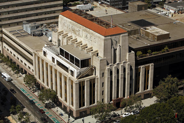 Another investor revolts, but second proxy adviser backs Tribune board