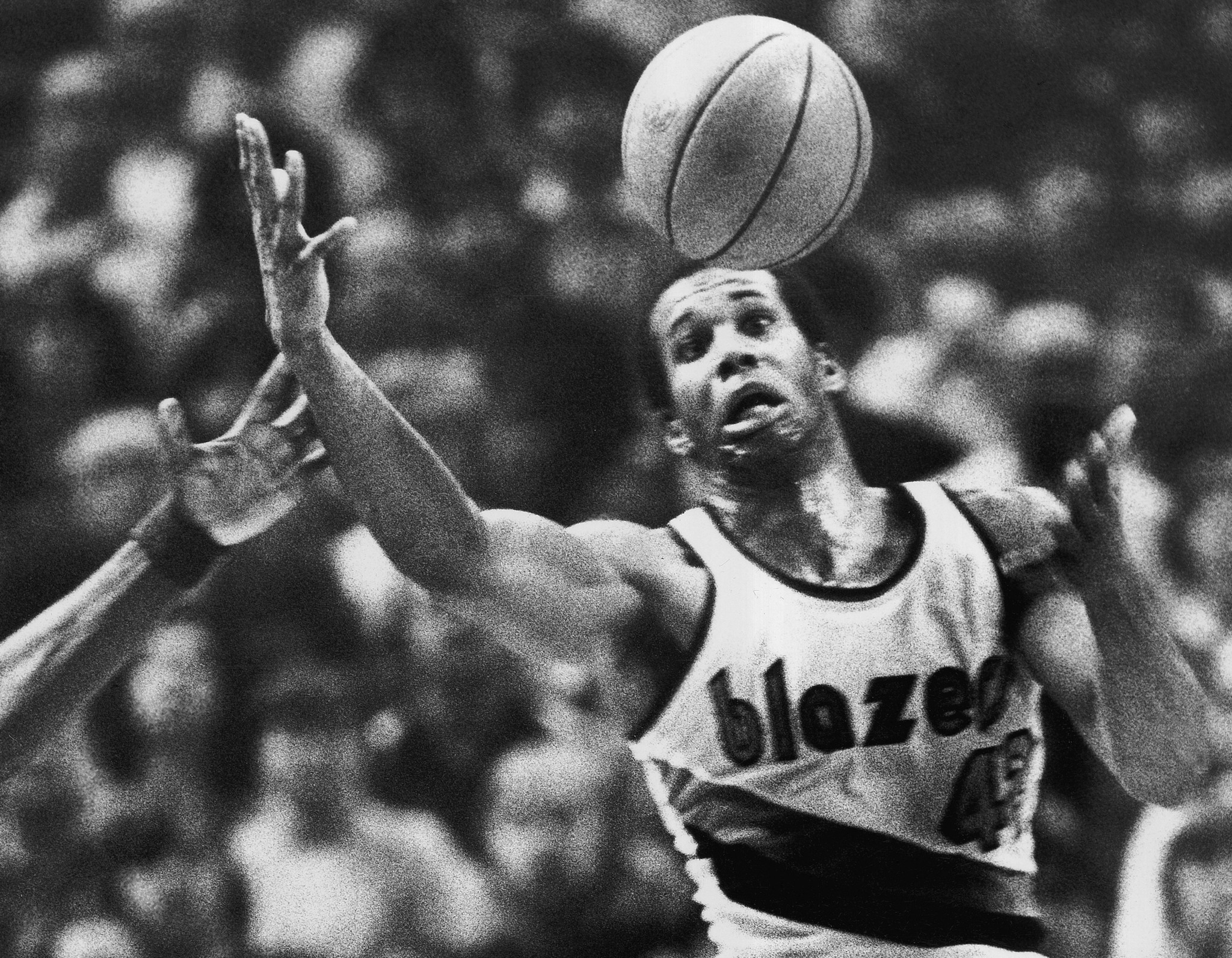 Former NBA player Kermit Washington accused of stealing from his
