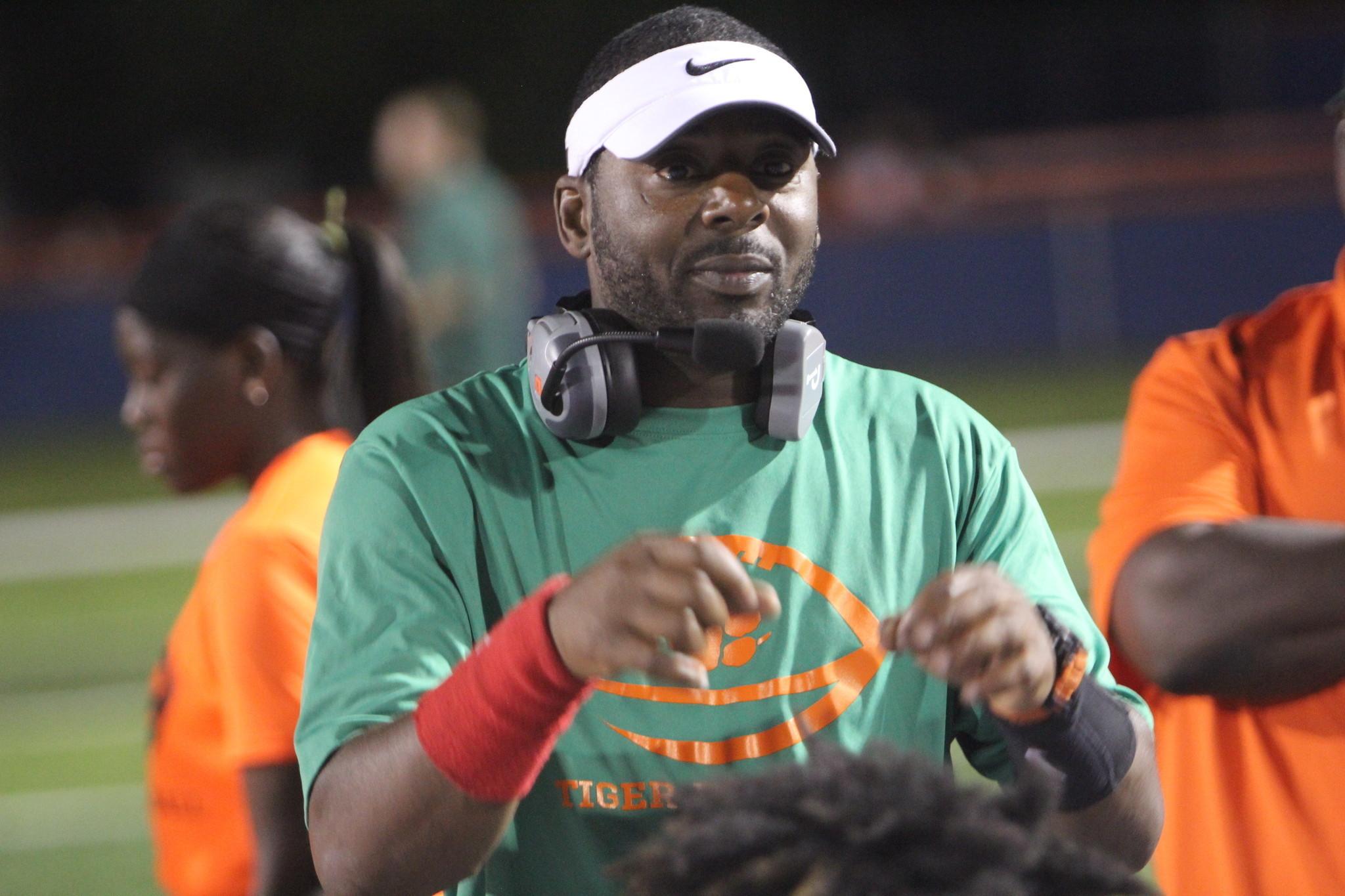 Ucf New Head Coach >> Elijah Williams puts the fight back in Jones High Fightin' Tigers - Orlando Sentinel