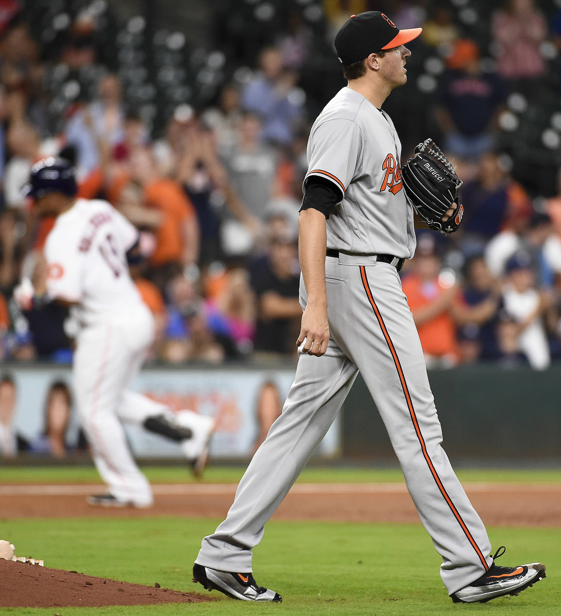 Bal-orioles-recap-birds-lose-4-2-to-astros-strike-out-record-52-times-in-three-game-sweep-20160526