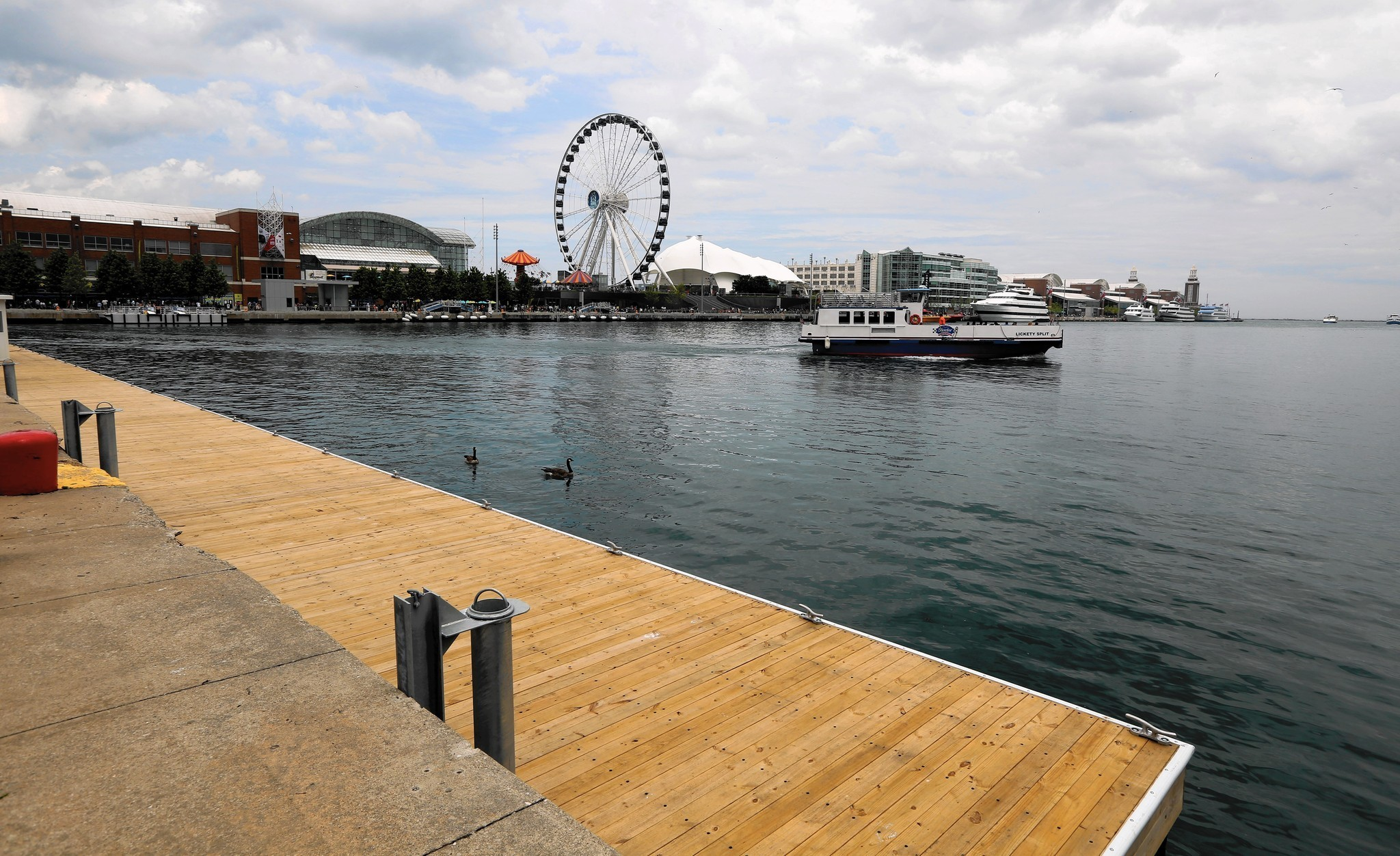 New boat dock opens at Navy Pier, free this weekend - Chicago Tribune