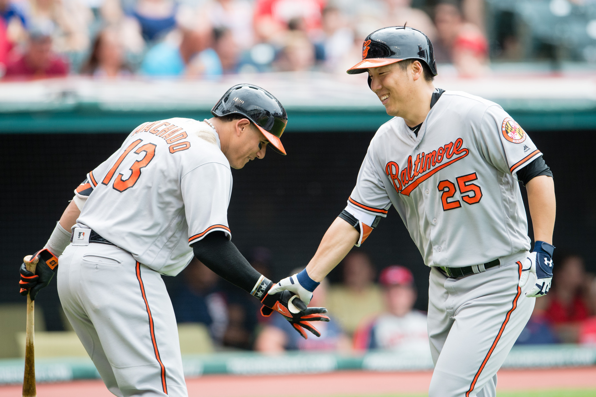 Bal-hyun-soo-kim-s-first-career-home-run-lifts-orioles-in-6-4-win-at-cleveland-20160529