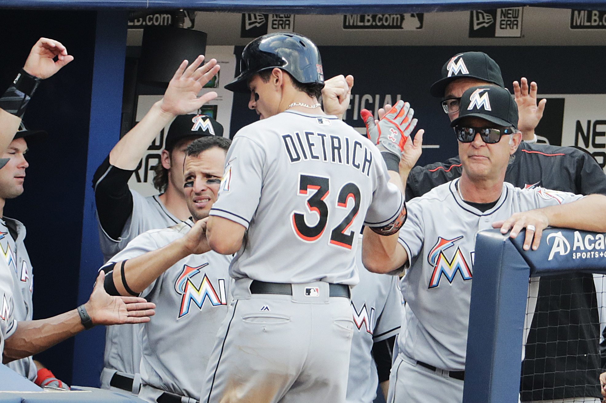 Sfl-dietrich-powers-marlins-past-braves-7-3-to-avoid-sweep-20160529