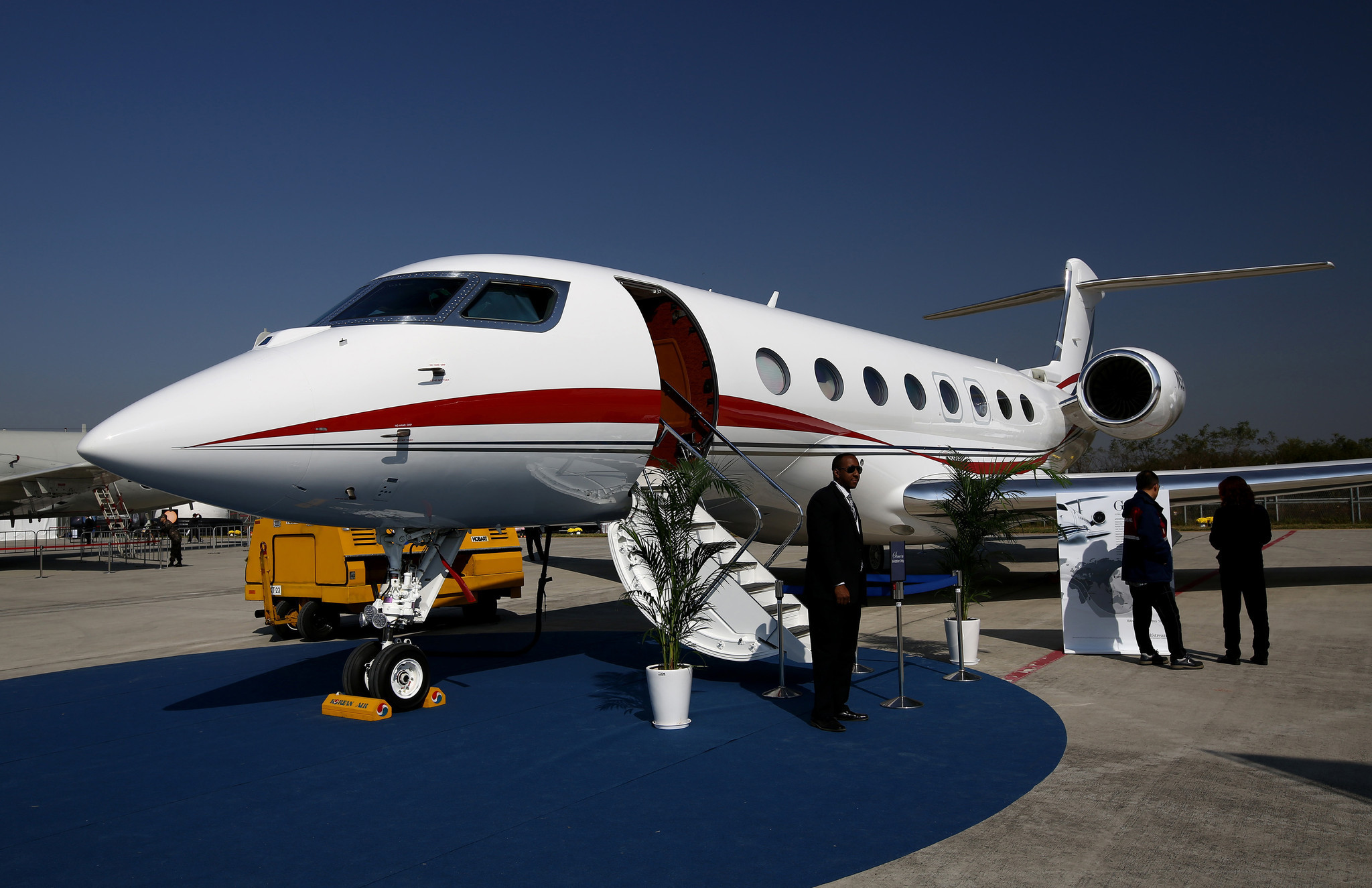 CEOclass Private Jets Go Begging For Buyers Crushing Prices  Chicago Tribune