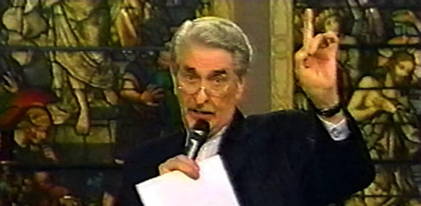 Paul Crouch, co–founder of the world s largest Christian broadcasting network. Paul and his wife Jan have parleyed their viewers small expressions of faith into a worldwide broadcasting empire and life of luxury.