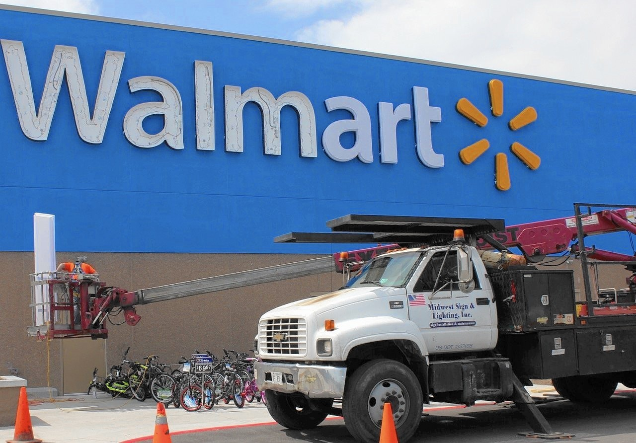wal mart supercenter opens in food desert area daily southtown