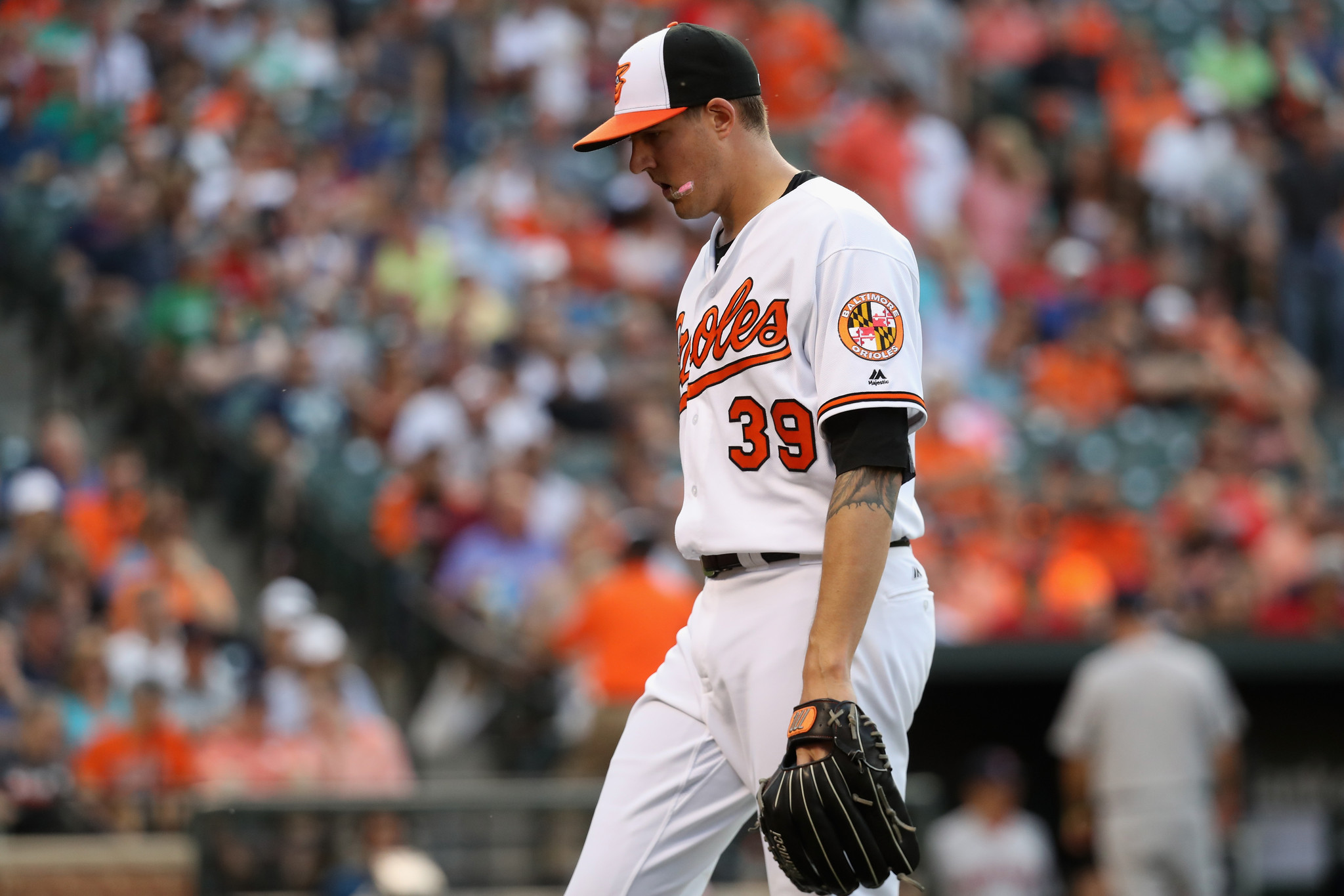 Bal-early-inning-struggles-foil-kevin-gausman-again-20160531