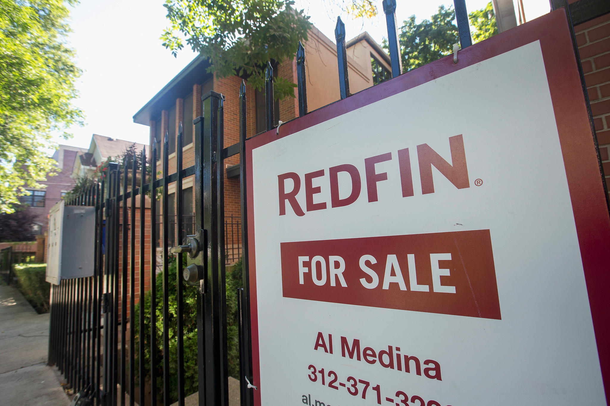 House flipping thriving in Chicago area, study says