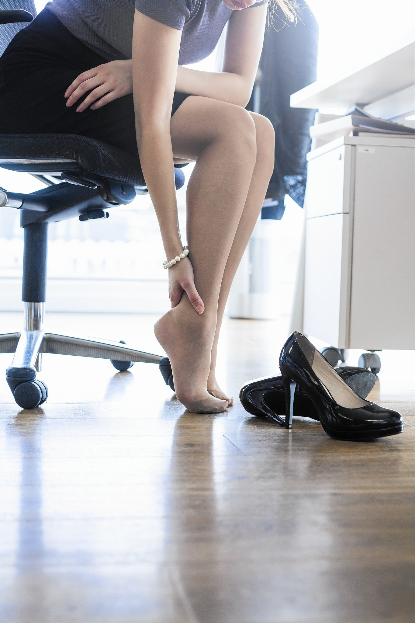 How to reduce foot pain from wearing high heels