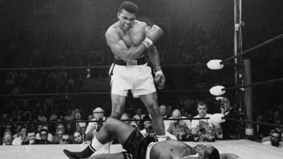 Muhammad Ali dies at 74; boxing champion became worldwide celebrity
