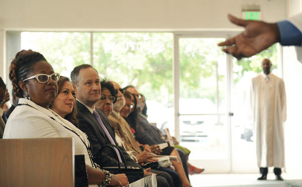 U.S. Senate candidate Kamala Harris, second from left, attends a church service at Holman United Methodist Church in Los Angeles. She is seated between the pastor's wife, Judy Sauls, left, and her husband, Douglas Emhoff. (Christina House / For The Times)