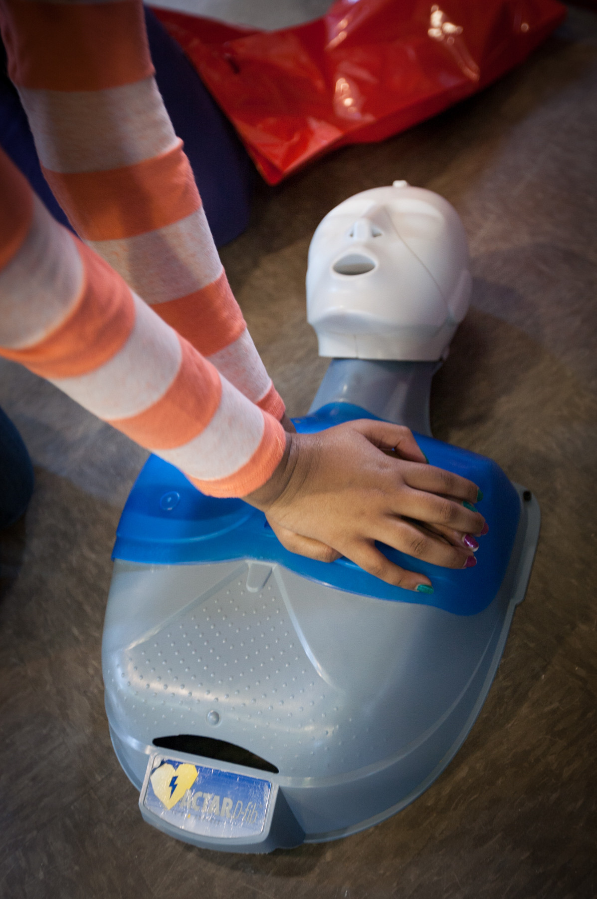 Bwi Airport Debuts Hands On Cpr Training Kiosk For Passengers