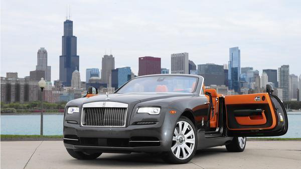 luxury car reviews chicago tribune