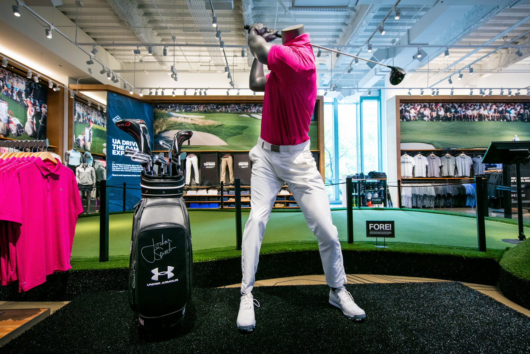 under armour opens  u0026 39 immersive u0026 39  golf experience in chicago