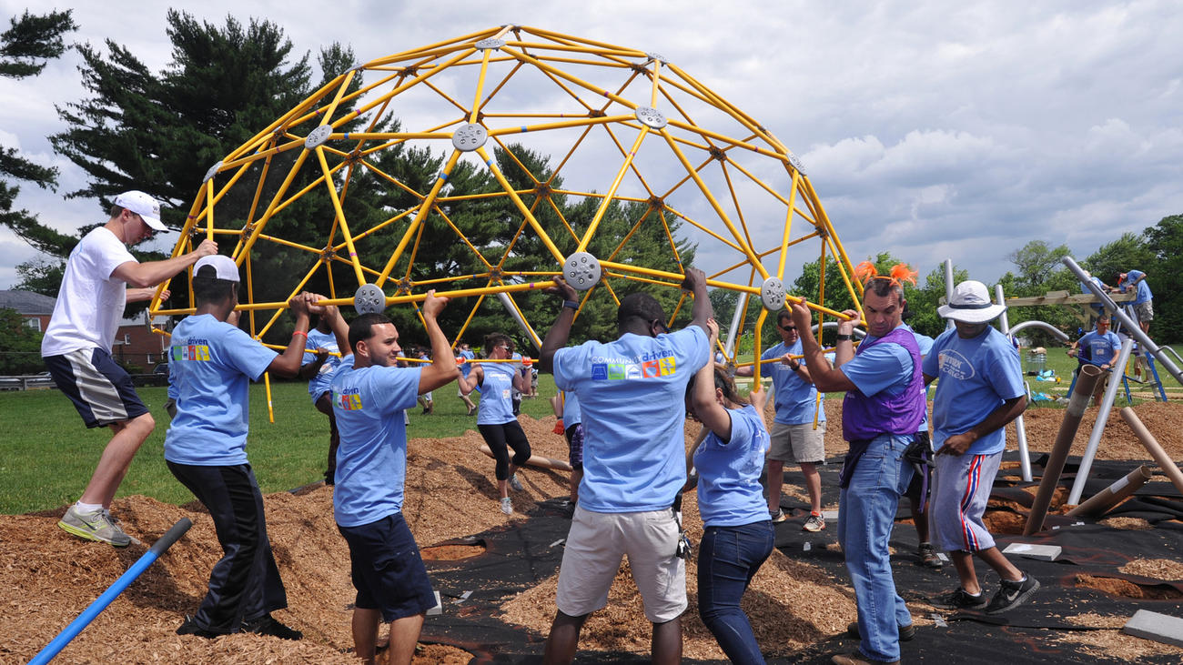 Baltimore Sun feature of Play More B'More building a new playground