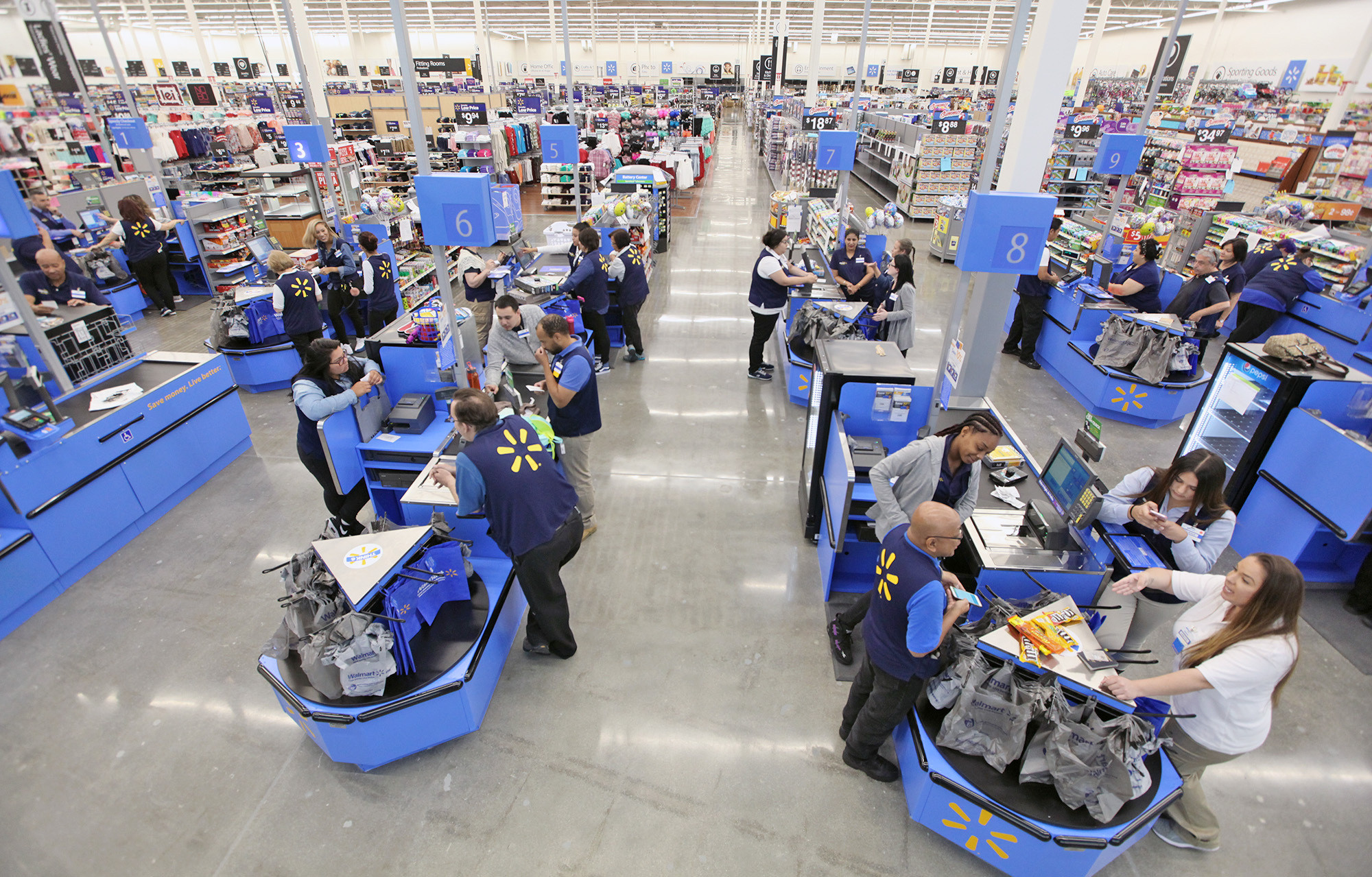 Staff At Burbank S Walmart Supercenter Gear Up For Store Opening